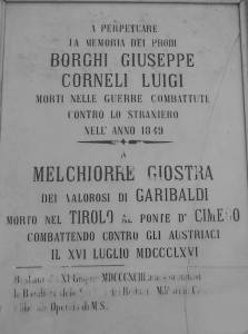Placa inaugurada pelo Reino da Itália, indicando a região do Tirol (e não do