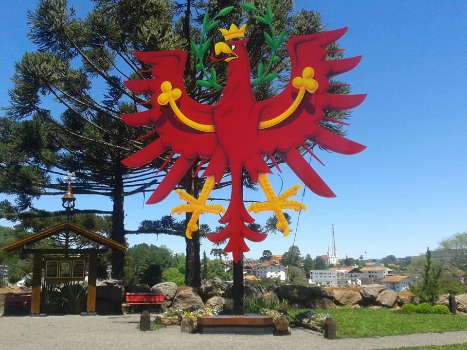 monumento-aguia-tirol